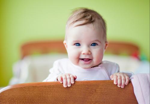 Hvorfor er det så vanskelig for babyen å finne roen igjen ved oppvåkningene sent på natten?…