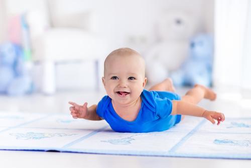 Noen tips om normal utvikling hos babyer: